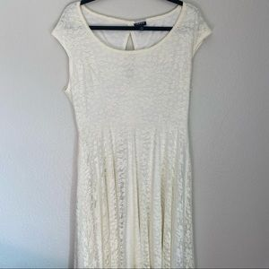 Torrid Floral Lace Cream Cap Sleeve Midi Dress